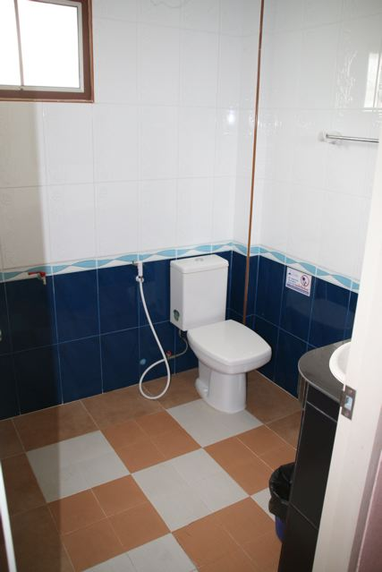 Phadaeng Mansion bathroom