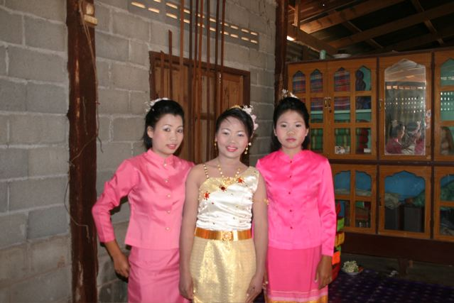 Thai bride and her bridesmaids