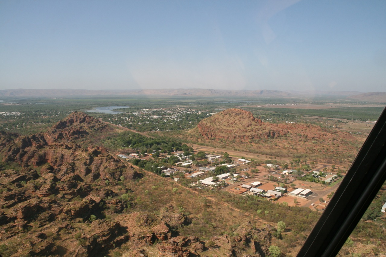 We headed for the back of the Kununurra township. As you can see it was built between some interesting rock formations and Lake Kununurra.