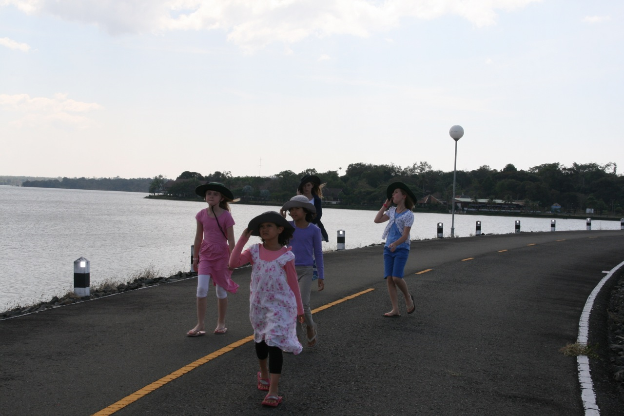 Walking along the bridge road to check out the Hydro at Sirindhorn Dam.